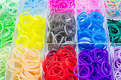 Colorful of elastic rainbow loom bands. — Stockfoto