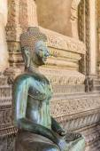 Image of Bronze Buddha statue. — Photo