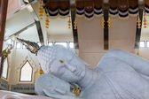 Marble of Reclining Buddha statue in Temple of watpaphukon. — Stock Photo