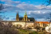 Catedral de São Vito e o Castelo de Praga-Tcheca. — Fotografia Stock