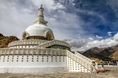 Shanti stupa with sky and clouds-Leh,Ladakh,India — Stock Photo