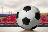 Balón de fútbol en el estadio — Foto de Stock