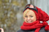 Pretty woman portrait outdoor in winter — Stock Photo