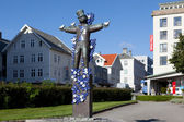 Sculpture clown with pigeons. Haugesund. Norway. — Stock Photo