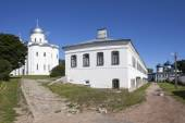 Yuriev Monastery. Holy Cross Cathedral, Orlovsky case and St. George's Cathedral. Velikiy Novgorod — Stock Photo