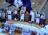 Chisinau, Moldova, 10.14.2014, soft toys in the folk style for sale at the festival city of Chisinau — Stock Photo