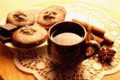 Czekolada eklerów i filiżankę kawy parzonej — Zdjęcie stockowe