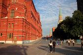 8 juillet 2015, Moscou, Russie. Touristes permanent au Musée historique du — Photo