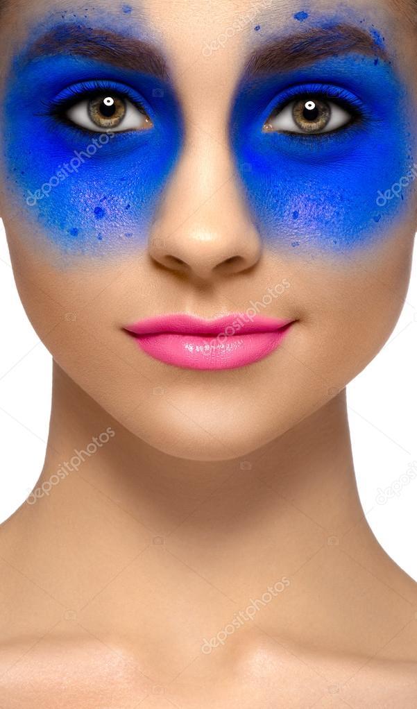 Девушки красивая с синие глазами фото