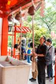 Tokyo,Japan - May 25, 2014  Many people donate money and benedic — Stock Photo