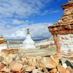 Ancient Buddhist stupa in Tibet — Stock Photo #72371313