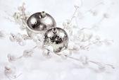 Silberne weihnachtsschmuck — Stockfoto