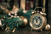 Vintage alarm clock showing five to twelve o — Stock Photo