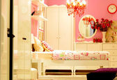 Arredamento camera da letto d'epoca rosa — Foto de Stock