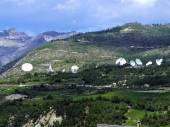 Satellite dish on the hill — Stock Photo