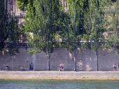 Seine river side broadwalk in Paris — Стоковое фото
