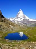 Matterhorn mountain with snowy top — Stock Photo