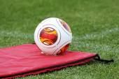 Europa League balls on the field with mattress during the train — Foto Stock