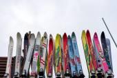 Ski equipment at Falakro ski center, in Greece. Visitors can ren — Stock Photo