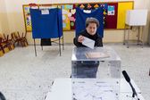 Greek Voters Head To The Polls For The General Election 2015 — Stock Photo