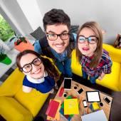 Tres graciosos nerds juntos — Foto de Stock
