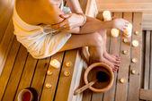 Mujer en sauna — Foto de Stock