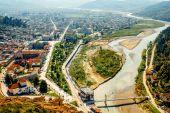 Modern part of Berat city — Stock Photo