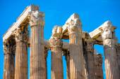 Corinthian columns of Zeus temple in Greece — Stock Photo