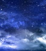 Hvězdnou oblohu v otevřeném prostoru — Stock fotografie