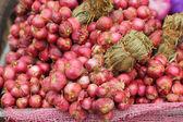 Soğancık - pazar asya kırmızı soğan — Stok fotoğraf