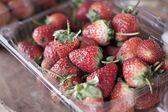 A lot of fresh strawberry fruit — Stock Photo
