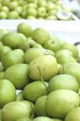 Fresh green apple — Stock Photo
