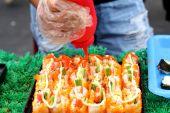 Making Japanese sushi traditional - japanese food — Stockfoto