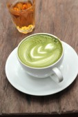 Green tea and milk and hot tea for drinking — Foto de Stock