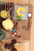 Pineapple fruit juice and fresh pineapple juicy — Stock Photo