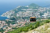 Cableway over Dubrovnik city — Stock Photo