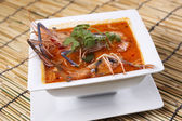 Tom yam kung sour and spicy of shrimp soup — Stock Photo