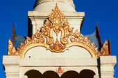 Gable van boeddha paviljoen op phu rua, thailand — Stockfoto
