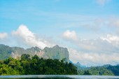 Cheow Lan lake, Khao Sok National Park, Thailand — Stock Photo