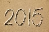2015 year written on the beach sand — Foto de Stock