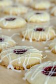 Making of Raspberry Thumbprint Cookies — Stock Photo