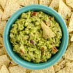 Fresh Homemade Chunky Guacamole Dip — Stock Photo #63616665