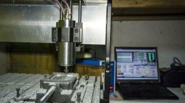 Metal lathe cutting aluminium at workshop — Wideo stockowe