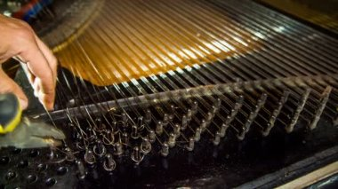 Disassembly Process of Old Piano Strings. Time lapse — Stock Video