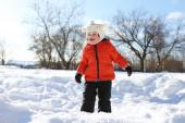 Little child in winter — Stock Photo