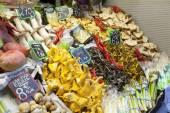 Mushrooms and fruits at market. — Zdjęcie stockowe