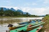 Boats in Nam Song river at Vang Vieng, Laos — Stock Photo