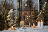 Handmade christmas decoration with wooden trees and reindeer. — Zdjęcie stockowe