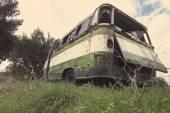 Abandonné le vieil autobus — Photo