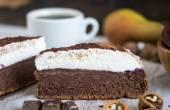 Chocolate Cake with Cream — Stock Photo